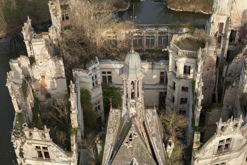 замок на западе Франции