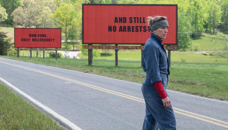 """Три билборда на границе Эббинга, Миссури"""