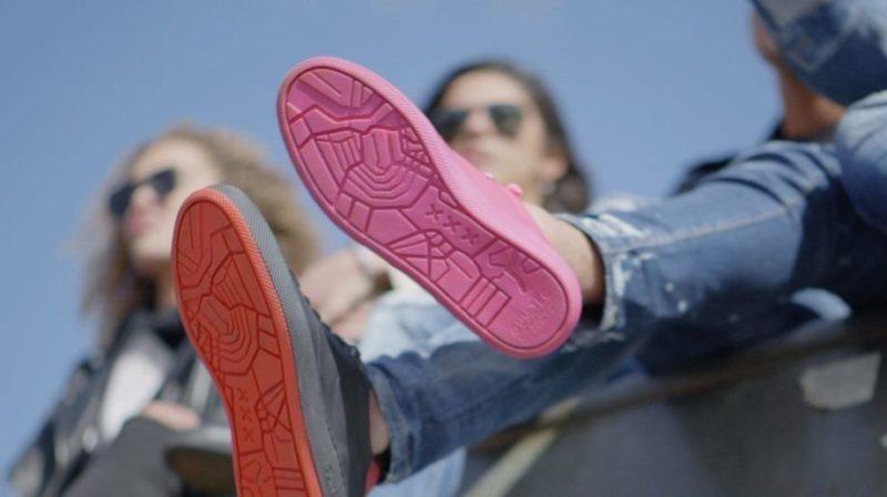 кроссовки из переработанной жвачки