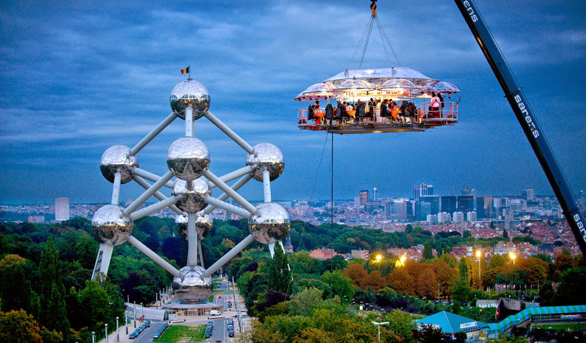 Ресторан Dinner In The Sky - роскошная трапеза на 50-метровой высоте