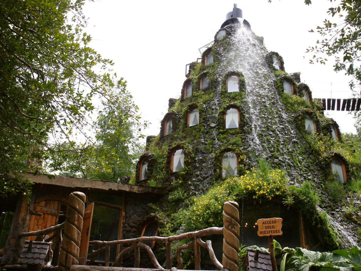 Отель Montana magical lodge — диковинный домик в Чилийском лесу