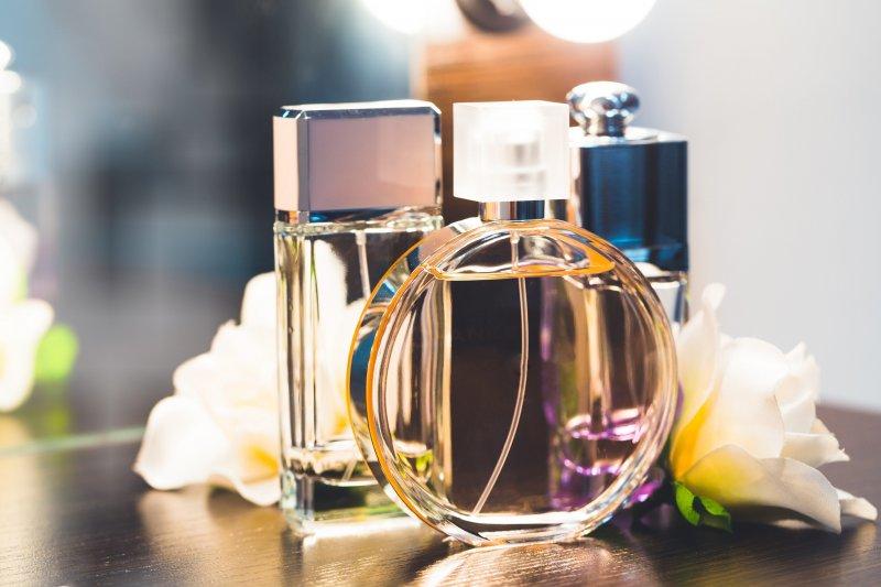 Топ самых популярных парфюмов, покоривших мир