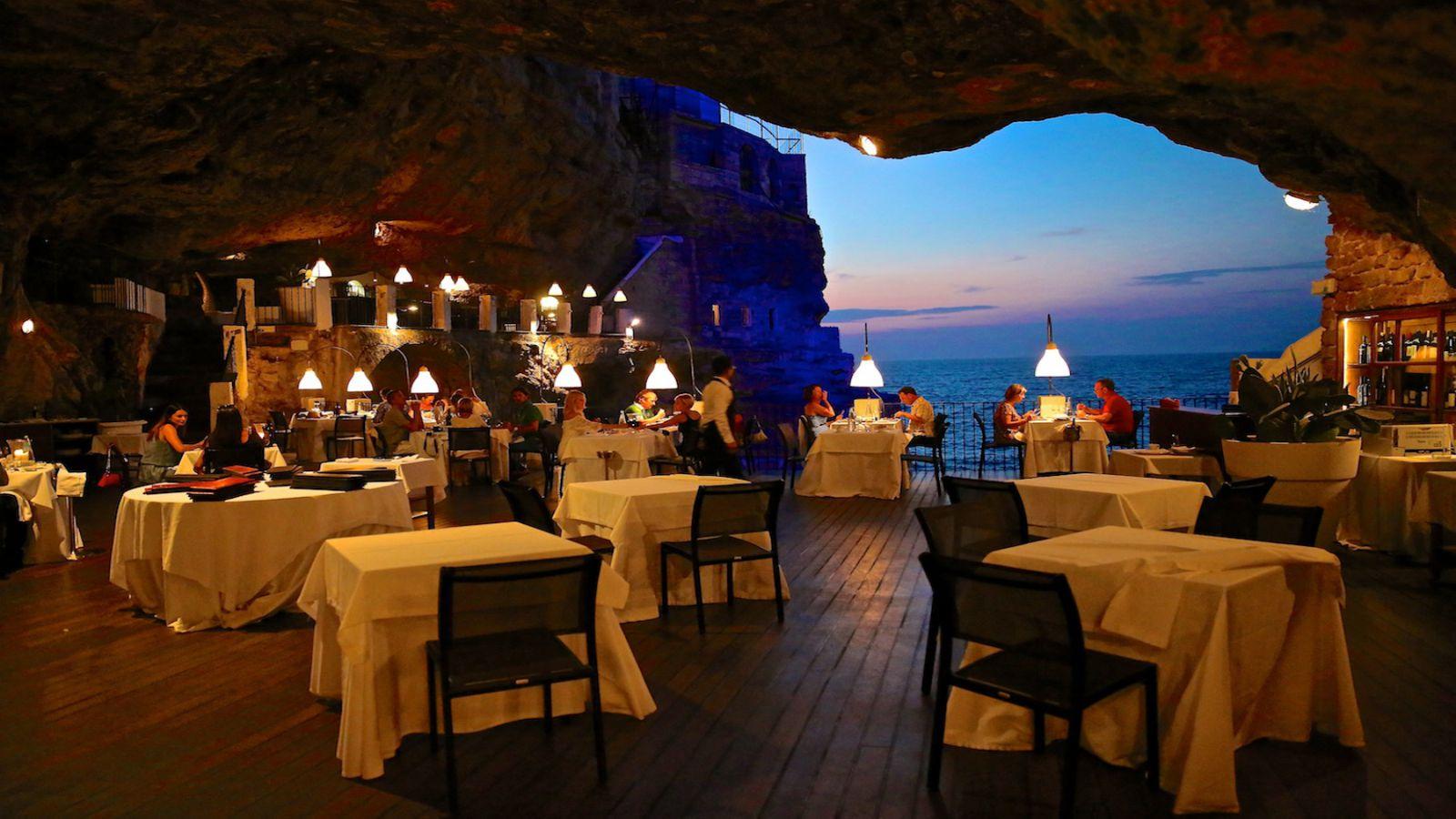 Ресторан Grotta Palazzese — дыхание Адриатического моря