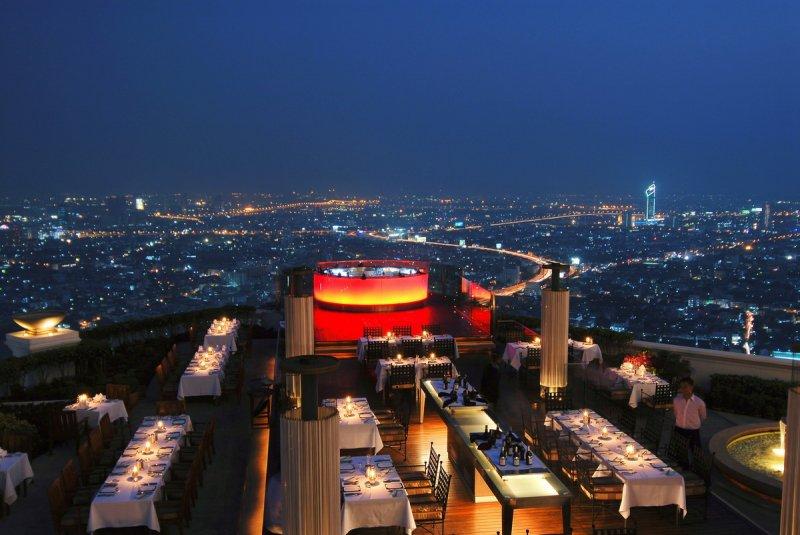 Ресторан Sirocco — потрясающий вид с вершины ночного Бангкока