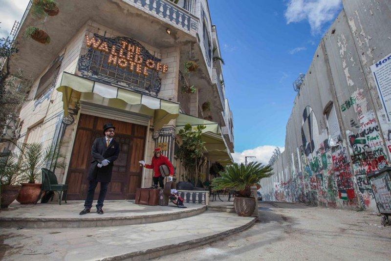 The Walled Off Hotel — самый остро-социальный отель в мире