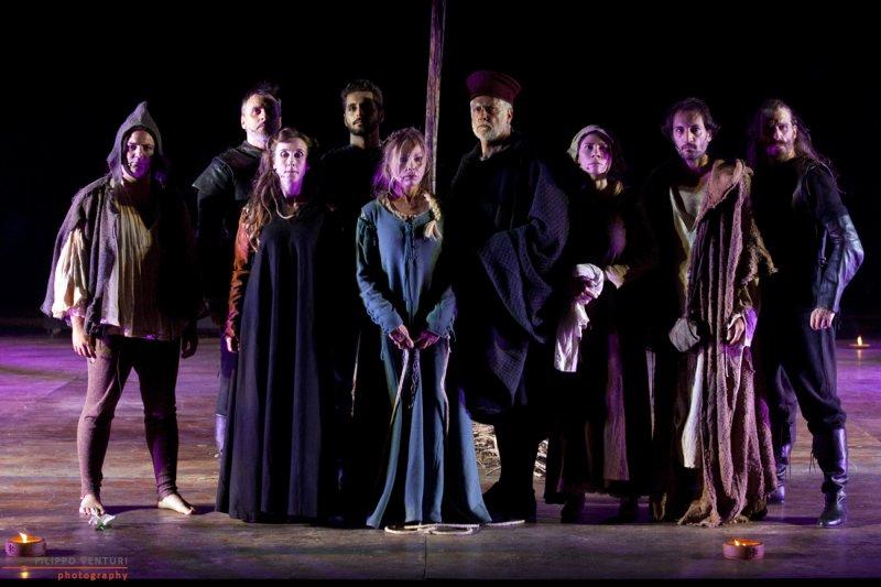 Премьерный спектакль «Суд над ведьмой» с всемирно-известной актрисой Орнеллой Мути