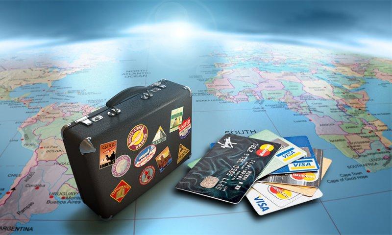 Преимущества безналичного расчета при поездках за границу