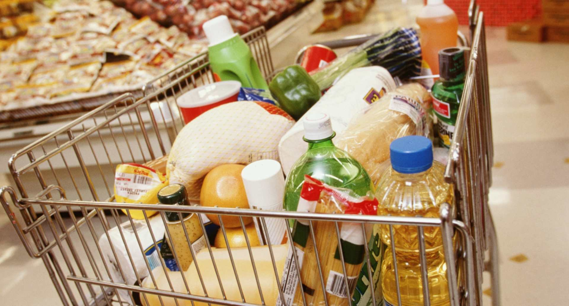 Почему украинцы так много тратят на продукты питания?