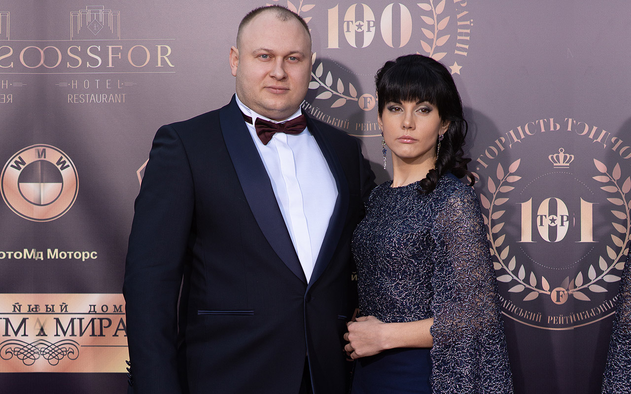 Богдан Троцько, фінансовий і бізнес-експерт, вручив нагороди номінантам рейтингу топ-100.