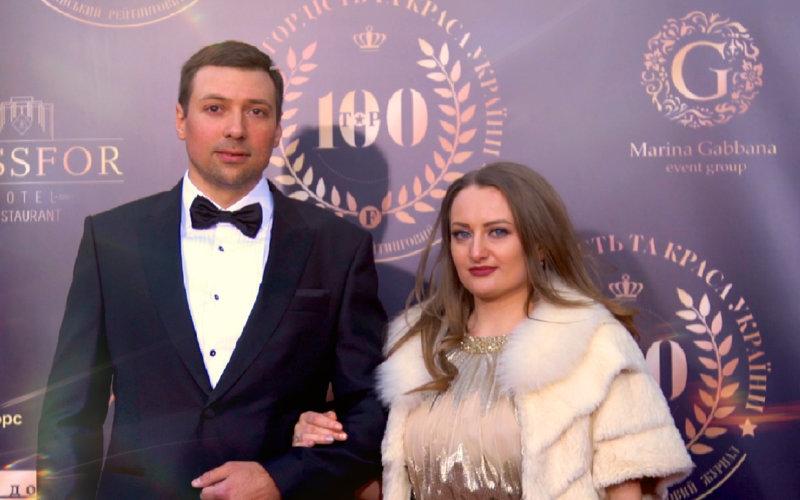 Максим Рудік, фінансист і компетентний експерт, отримав заслужену нагороду з рук переможця в рейтингу кращих компаній