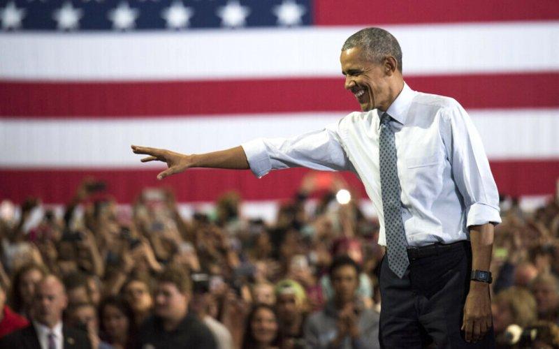 Обама заробляє на розкішне життя