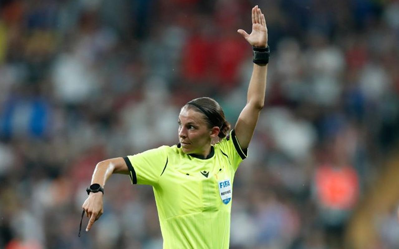 у матчах Євро-2020 буде судити жінка