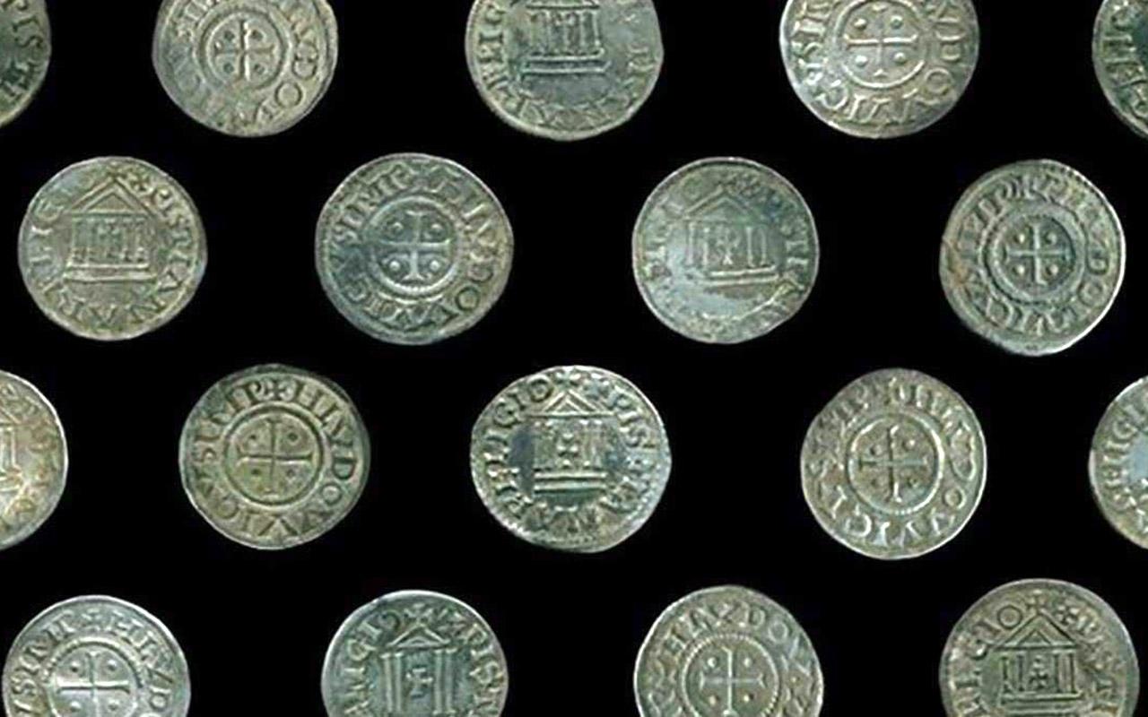 Археологи знайшли унікальні срібні монети