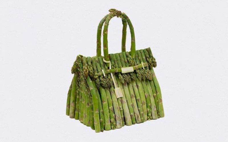 художник створив сумки з овочів