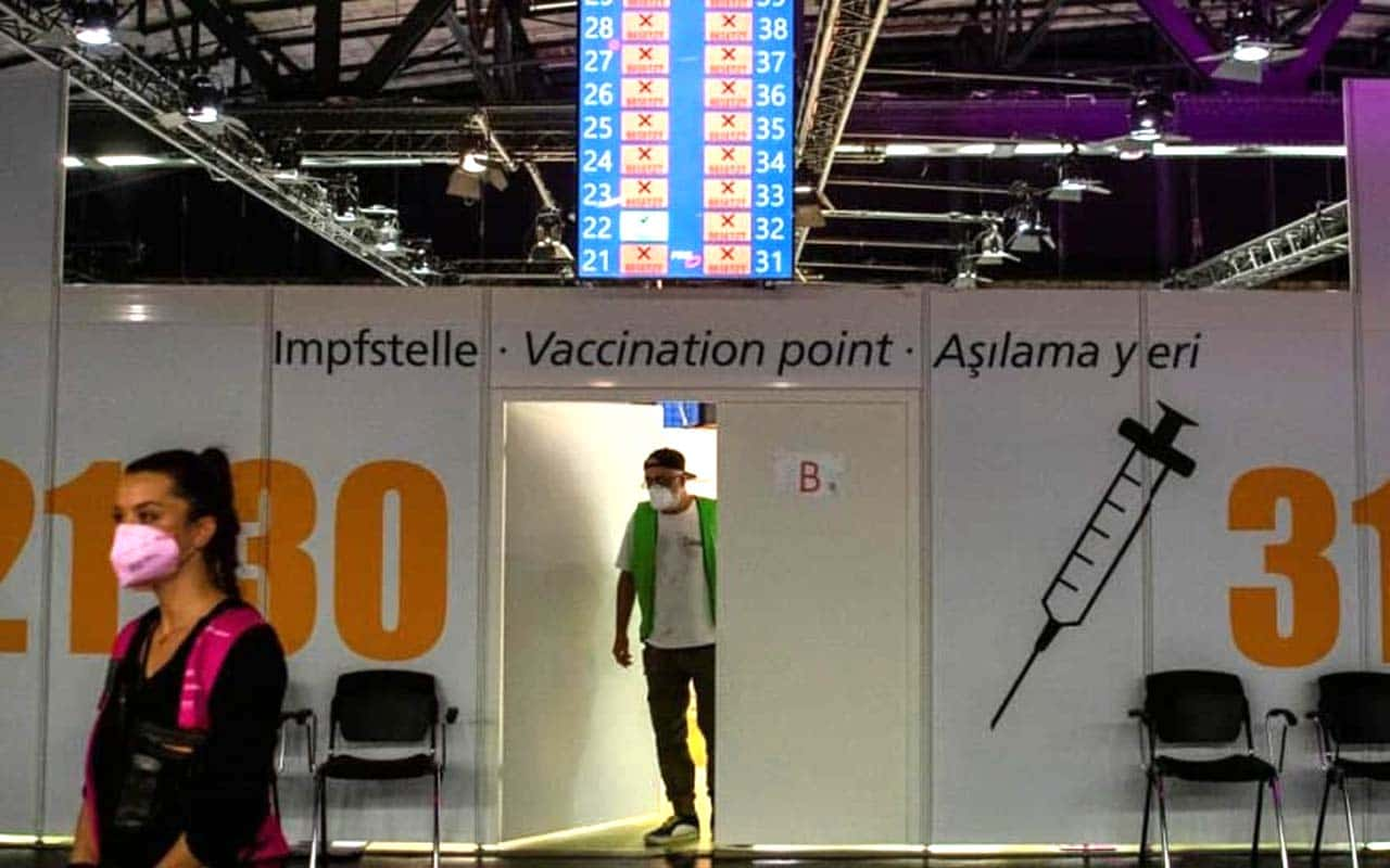 Germany hosts a vaccination party