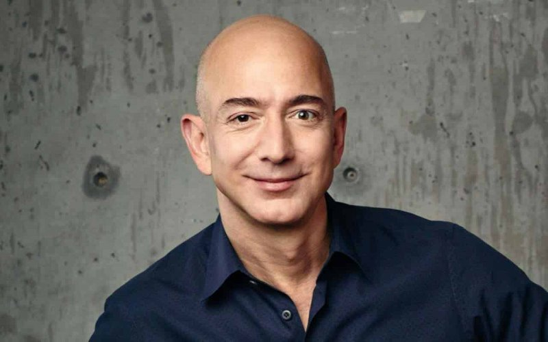 Jeff Bezos regains his title of richest man in the world