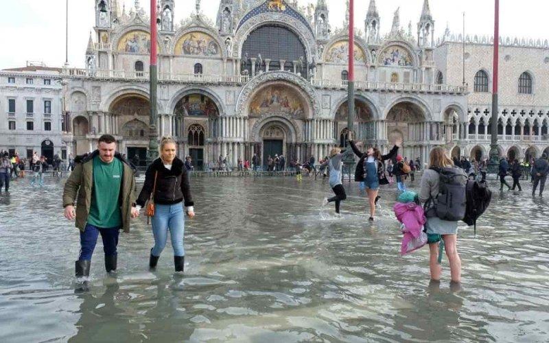Венецію накрила «висока вода»