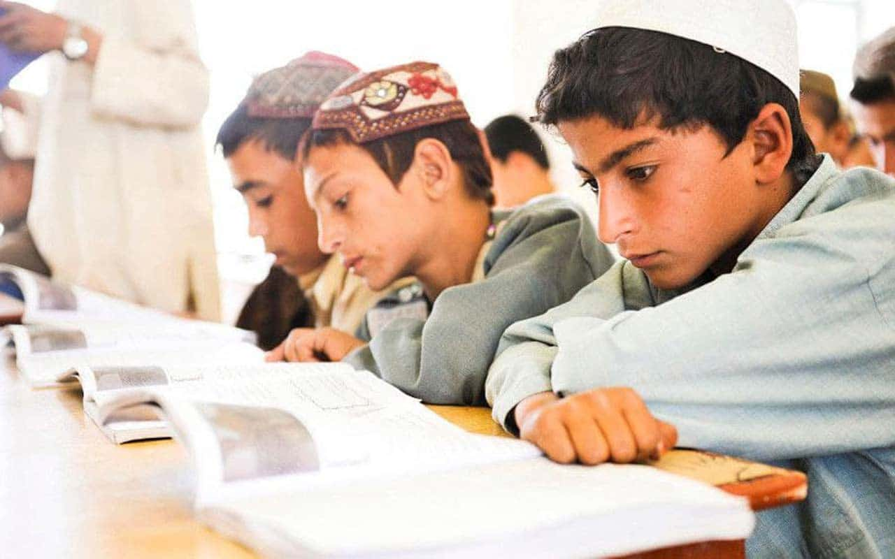 Afghanistan: Taliban allowed only boys to attend school