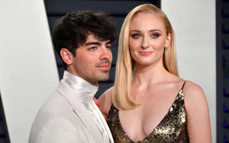 Sophie Turner and Joe Jonas show their daughter's face for the first time