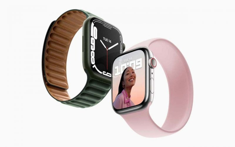 Smart watches Apple Watch Series 7 live photos are published