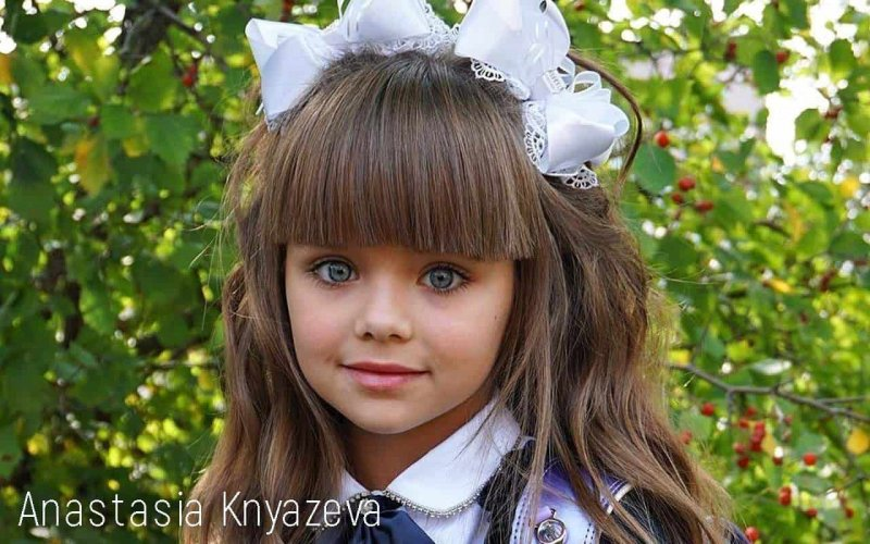 Young Anastasia Knyazeva has created an image of a model and TV presenter on the Web